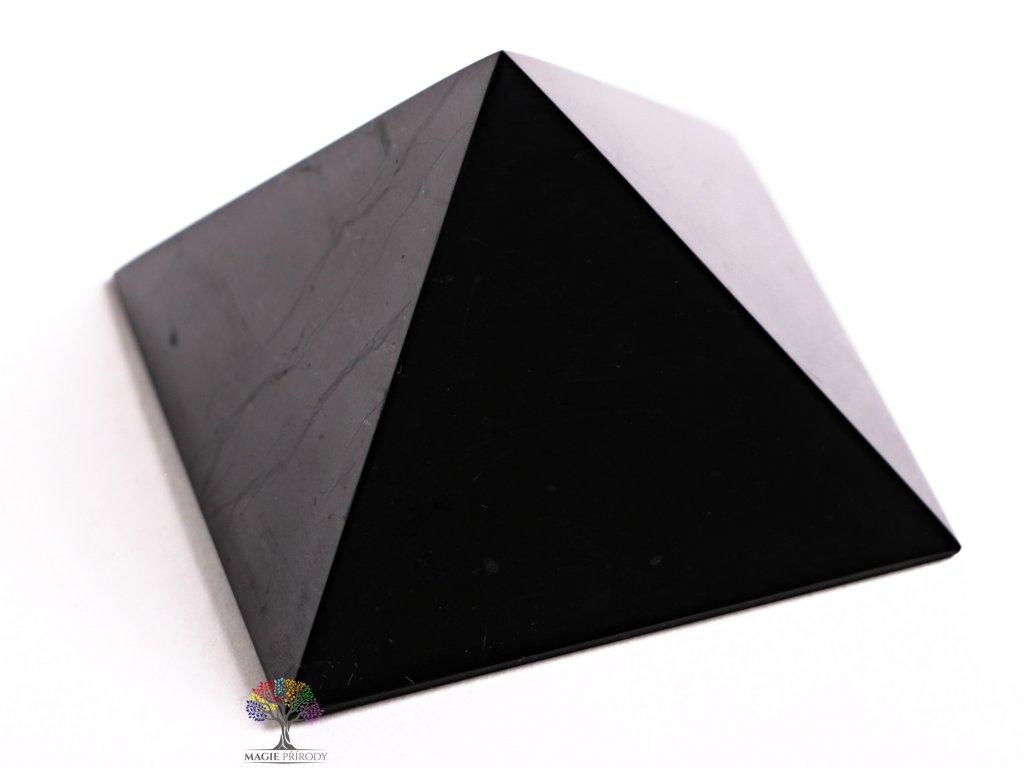 Šungit pyramida 6 x 6 cm - TOP kvalita - leštěná šungitová pyramida