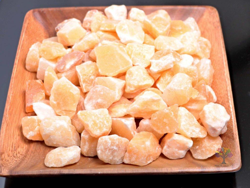 Kalcit surový 2 - 7 cm - 1 kg  + sleva 5% po registraci na většinu zboží + dárek k objednávce