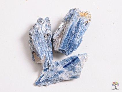 Kyanit surový 1 ks -  velikost 5 - 10 cm