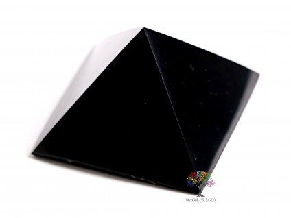 Šungit pyramida 4.5 x 4.5 cm - TOP kvalita - leštěná šungitová pyramida  + až 10% sleva po registraci