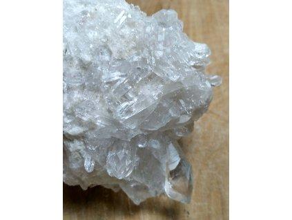 Křišťál přírodní - surový - 0.207 kg - drůza #129