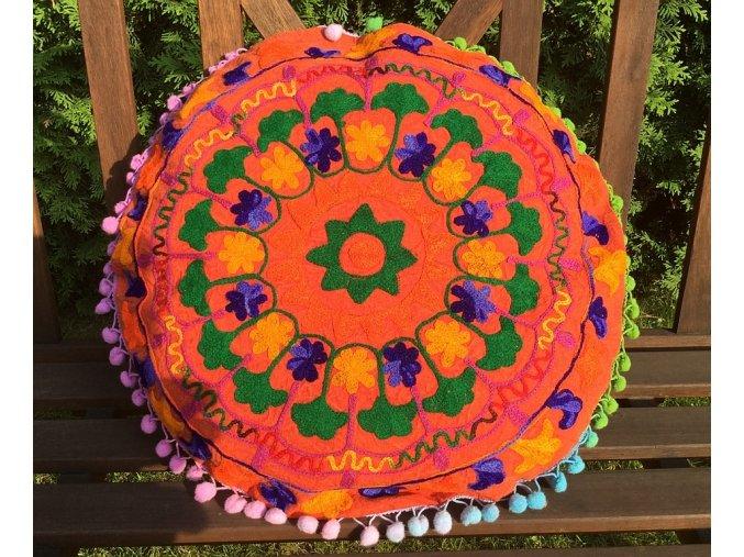Dekorační povlak na polštář - tradiční indická výšivka, indický meditační polštář, kulatý, oranžová batika s barevnými motivy, doprava zdarma