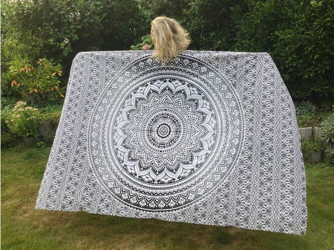 Mandala textilní dekorace na zeď - přehoz přes postel, černo bílá ombré, jóga podložka, tapisérie, bavlna, doprava zdarma
