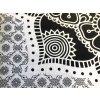 Bavlněná indická mandala  Mahari, dekorace na zeď - indický XL přehoz na postel, jóga podložka, bílo-černá, tapisérie, doprava zdarma