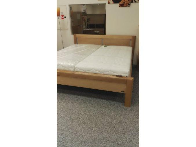 Masivní dřevěná postel JOVITA