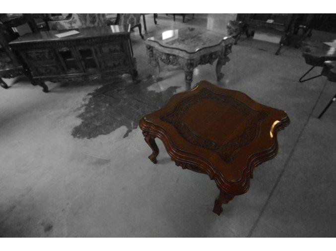 Reliéfní kávový stolek - malý