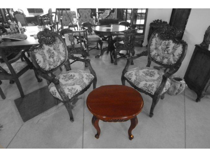Kávový stolek (vhodný pro křesla)