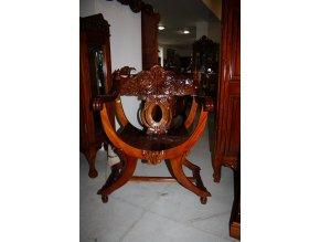 Křeslo, židle - vyřezávané