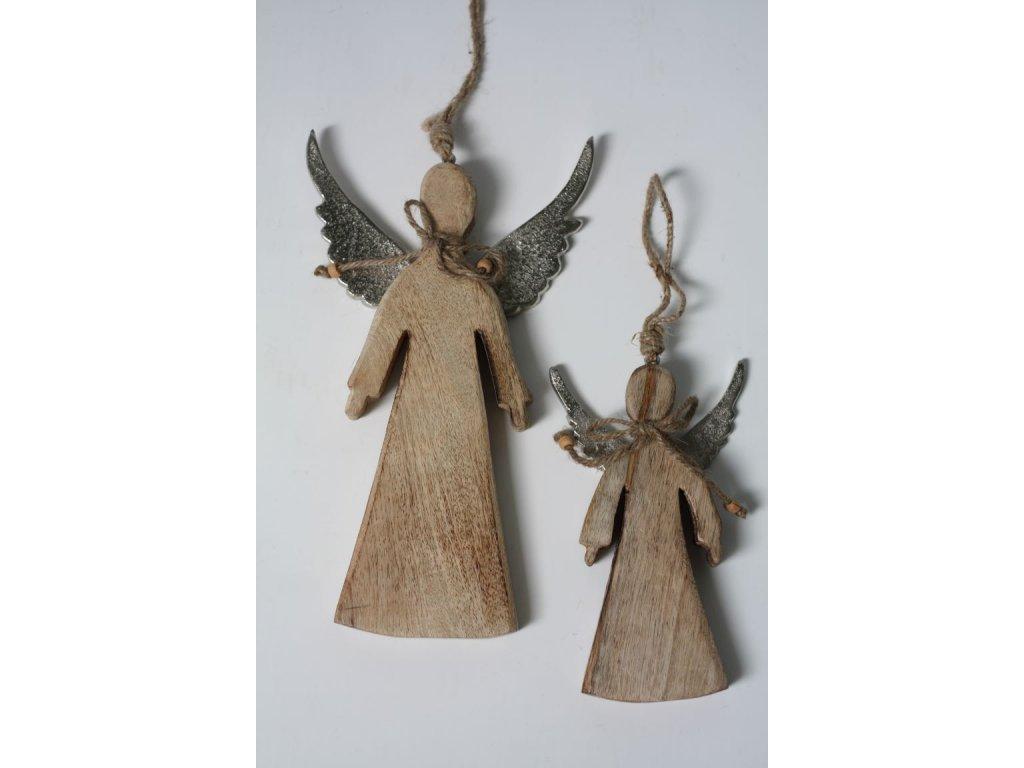 Anděl dřevo se stříbrnými křídly větší