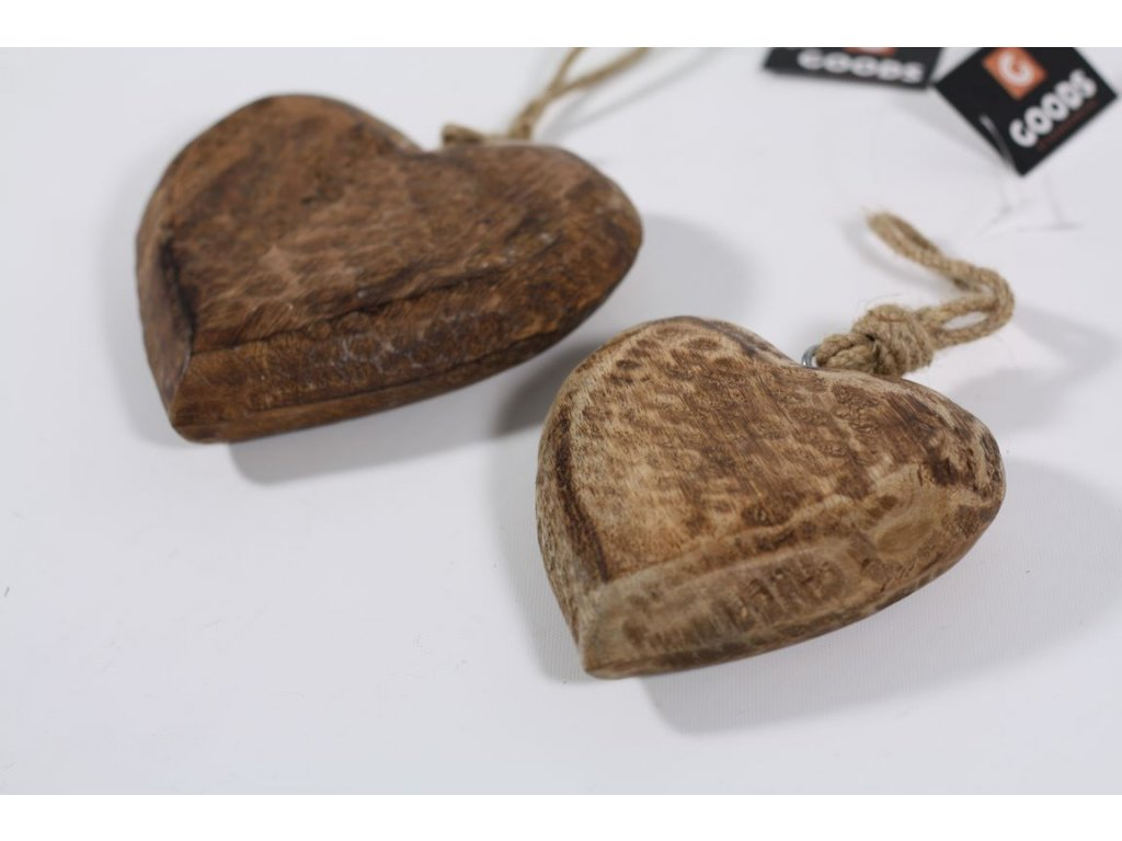 Srdce dřevěné bytelné menší