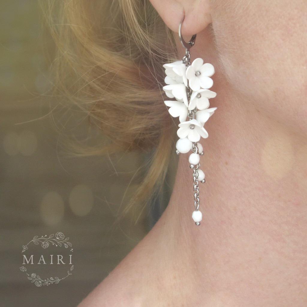 Mairi - svatební náušnice dlouhé květinkové