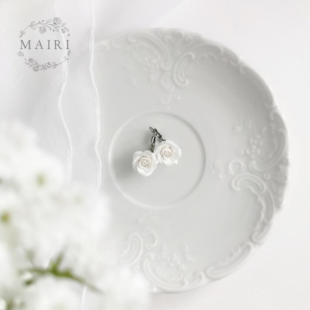 Mairi svatební květinové náušnice bílé růžičky