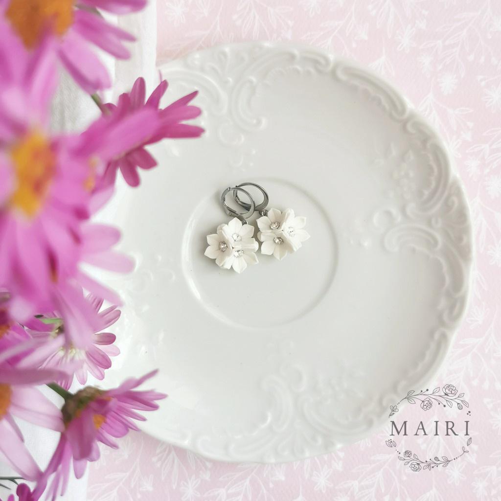 Mairi ocelové náušnice s květinkami