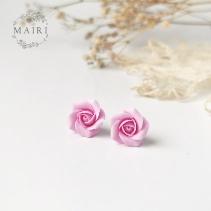 Mairi růžičkové náušnice pecičky z nerezové oceli a polymerové hmoty v růžové barvě 05