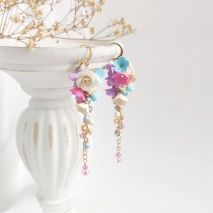 Leonie - dlouhé pozlacené květinové náušnice