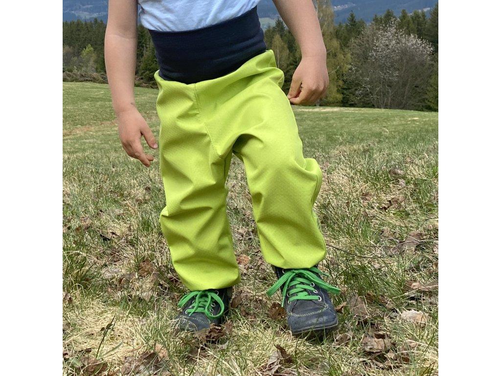Jarní-podzimní Softshellové kalhoty pro batolata limetkové 30/15 tis.