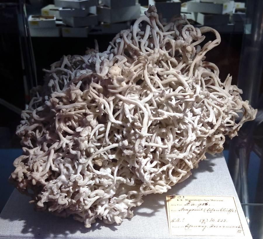 aragonit-zelezny-kvet-rakousko