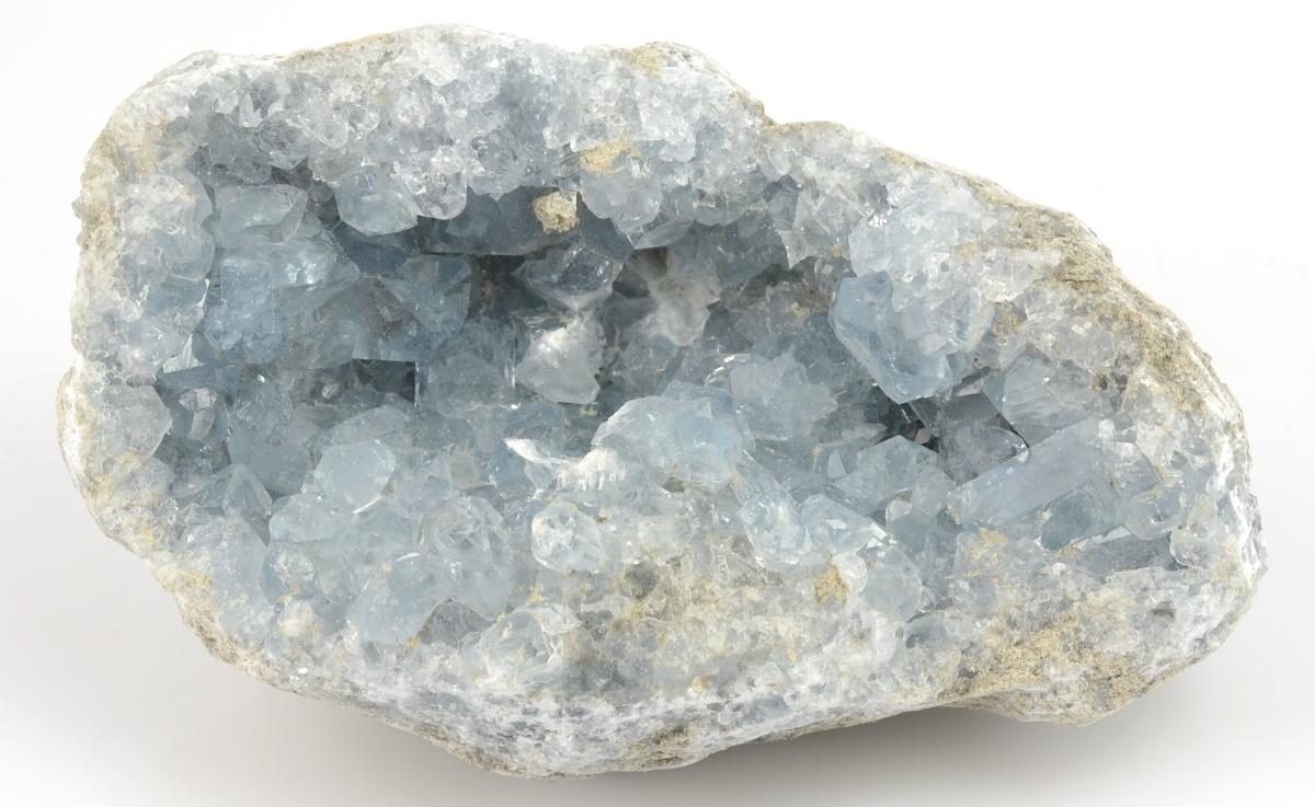 geoda celestinu s krystaly