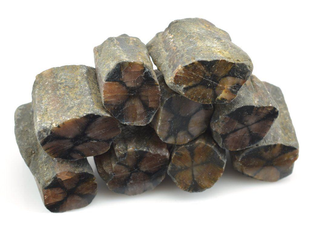 Chiastolit sloupečkovité krystaly