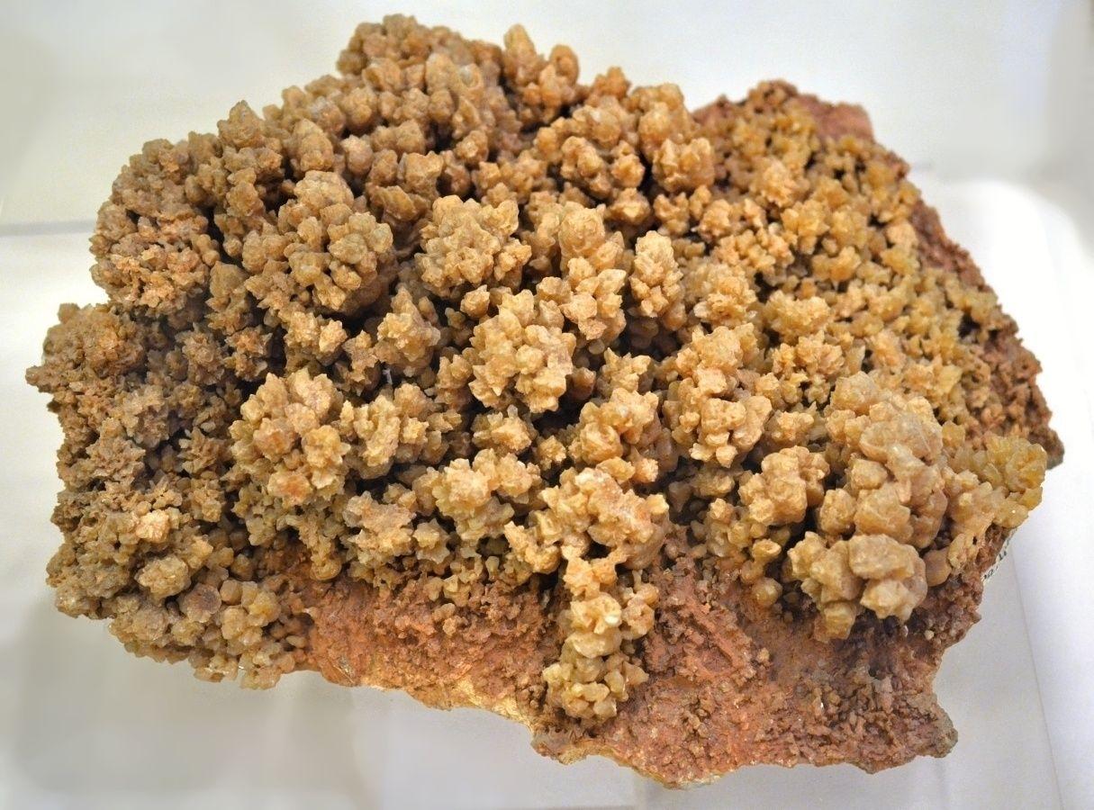 Velký vzorek kalcitu ze Slovenska o velikosti cca 40 cm.