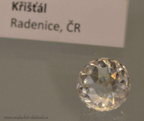 mineraly-kristal-radenice