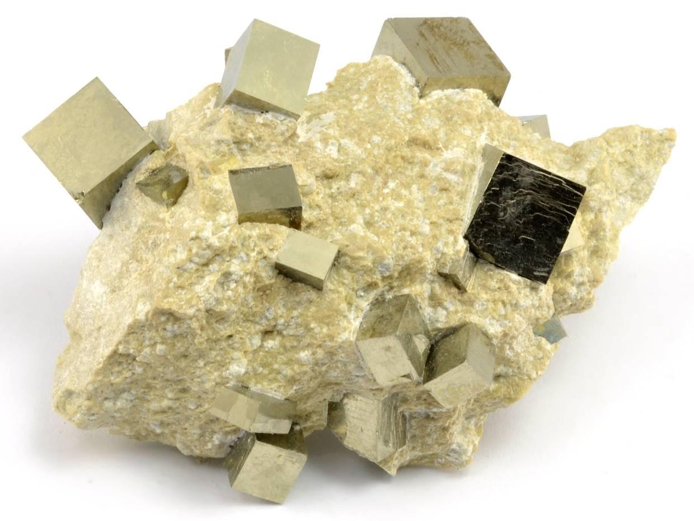 pyrit-navajun-spanelsko-cca10cm
