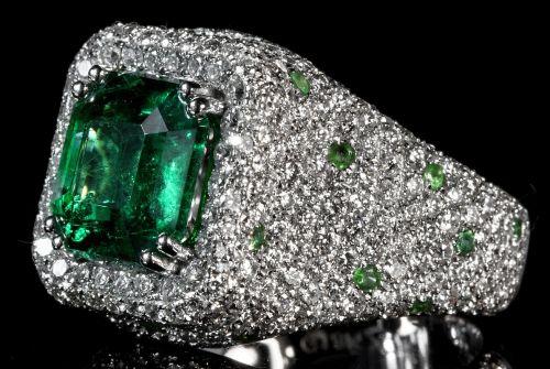 prsten-se-smaragdem