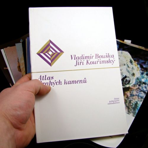 atlas-drahych-kamenu-vladimir-bouska-1985