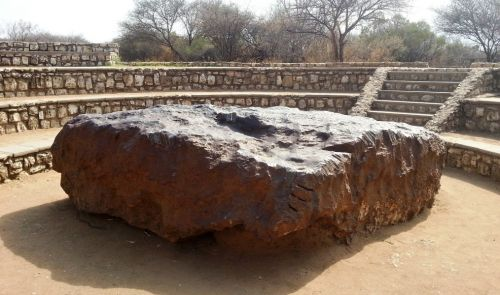 hoba-nejvetsi-meteorit-na-svete