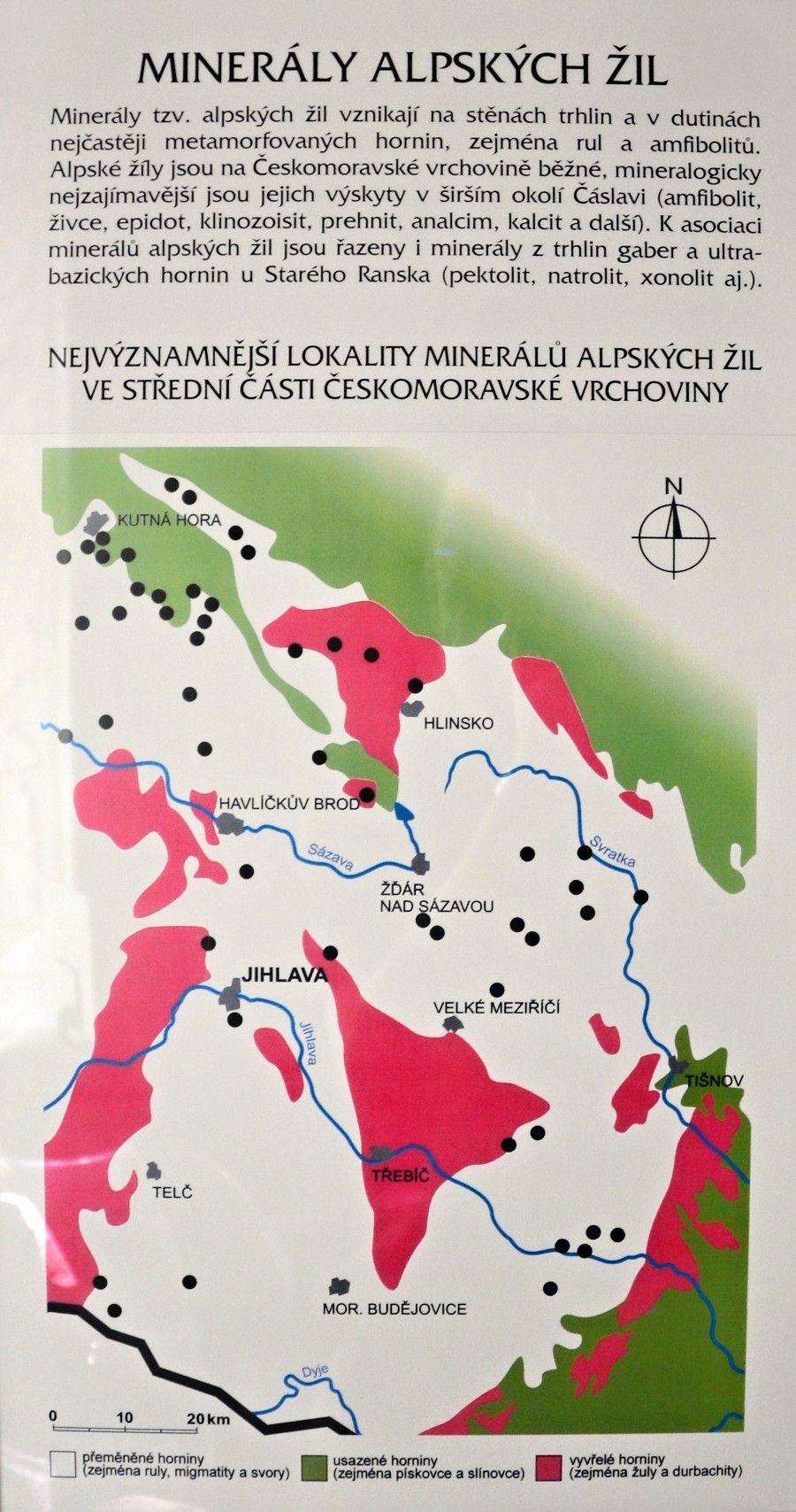 mineraly-alpskych-zil-tabule-muzeum-vysociny-jihlava