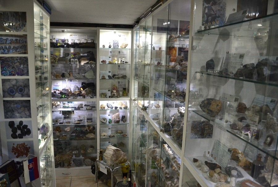mineralogicke-a-banicke-muzeum-v-bojniciach