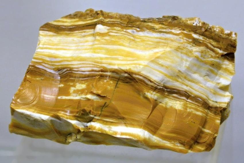 mineraly-opal-trebic-borovina-15cm
