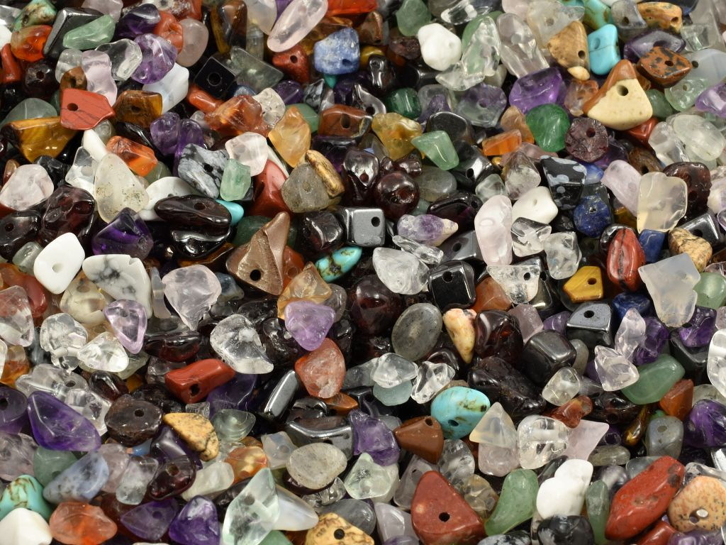 koralky-sekane-mix-kamenu