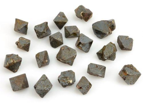 magnetit-brazilie-1cm