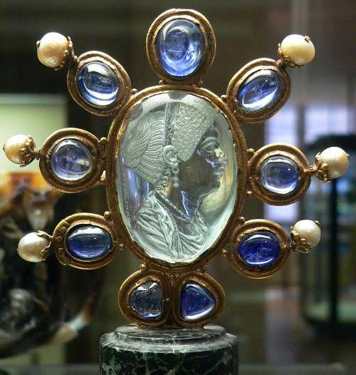 kristalova-intaglie-cisarovna-julia-augusta