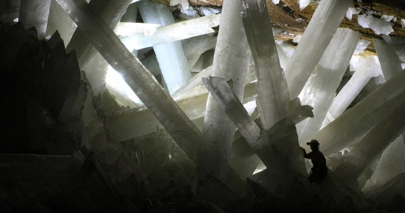 krystaly-v-naica-selenit
