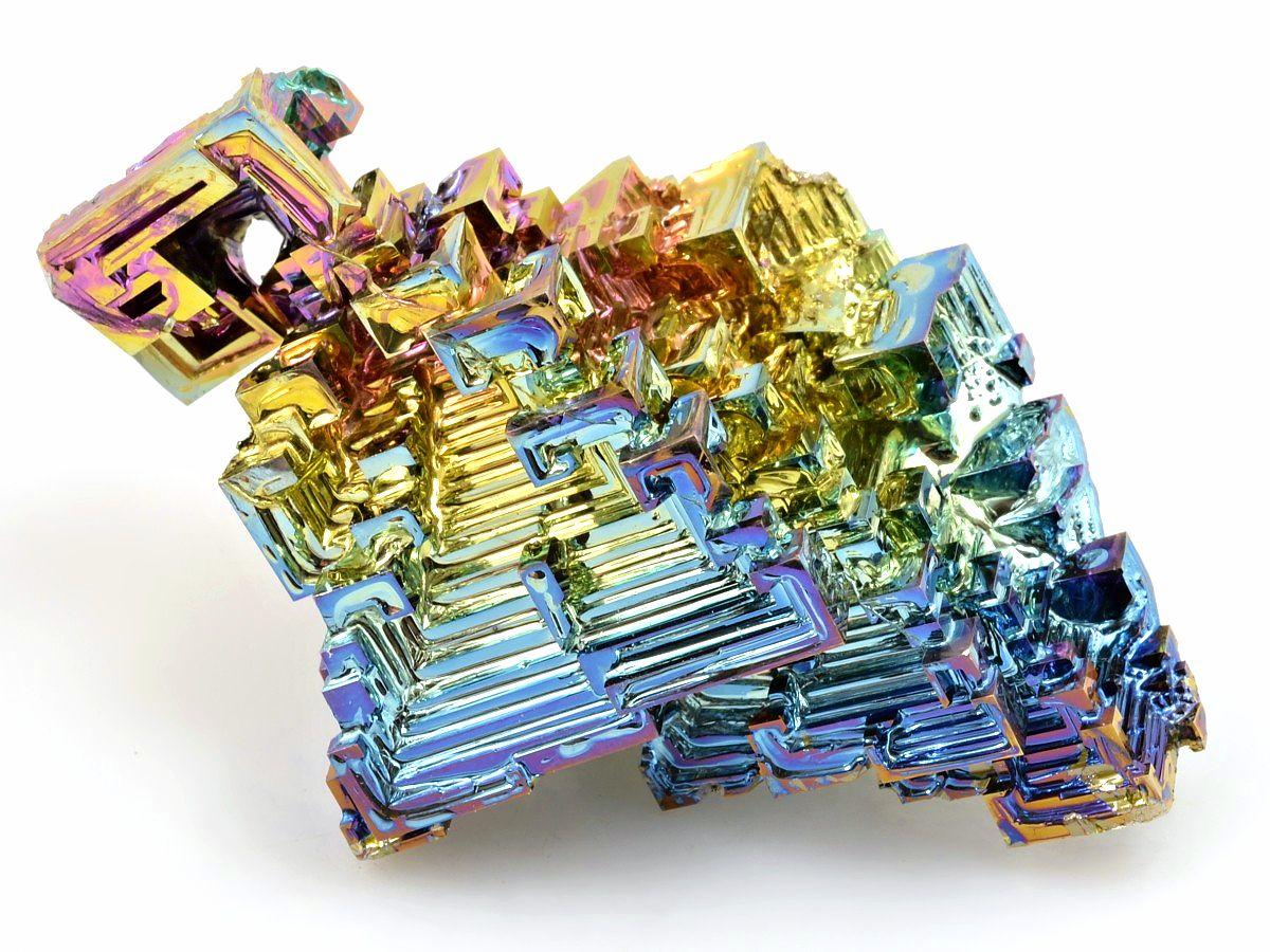 lesk-mineralu-bismut-krystal