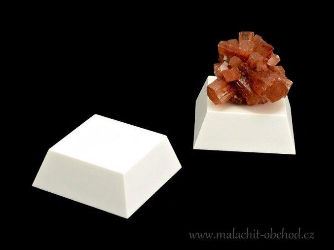 Podstavec pro minerály 4x4cm (bílý)