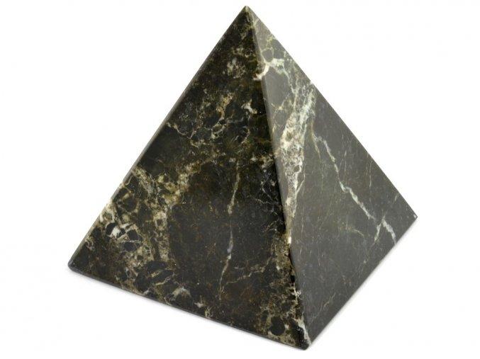 aragonit pyramida cerna 7a