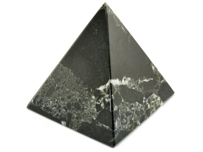 aragonit pyramida cerna 8a