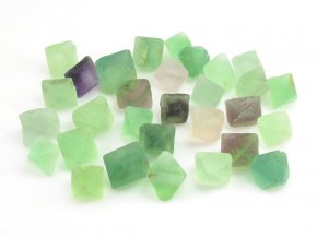 Fluorit krystal 1ks (1,5-2cm)