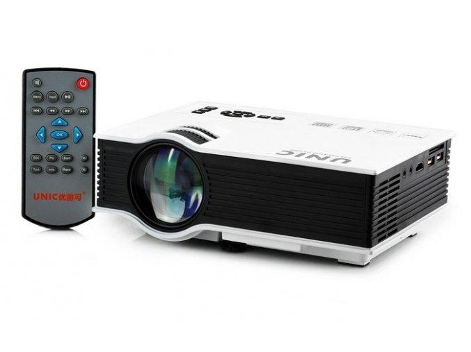 UNIC UC40 Micro Projector 06