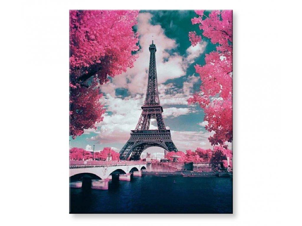 Eiffelova věž v růžovém