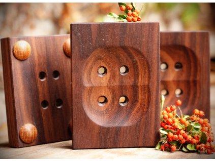 mydlenka drevena orech