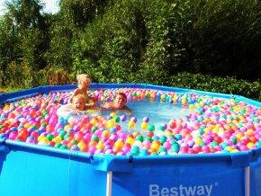 Sada míčků suché,mokré bazény, hraní 56 ks. Průměr 7 cm, 7 barev