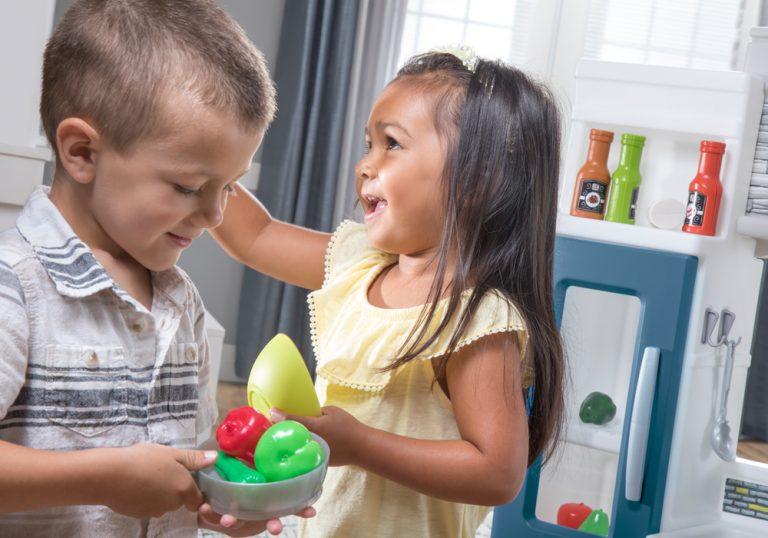5 tipov na rozvoj fantázie pri hre s detskou kuchynkou