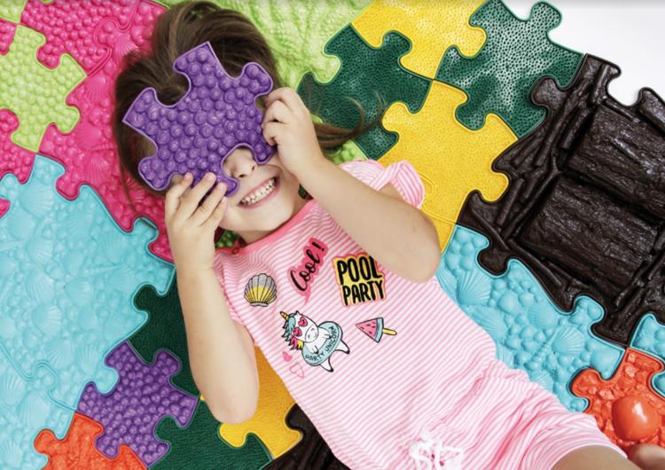 Senzomotorický koberček alebo pocitový koberec pre deti
