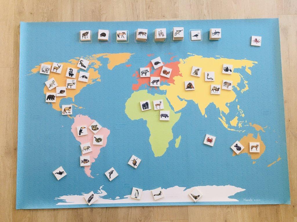 Mapa světa a její zvířecí obyvatelé - A0