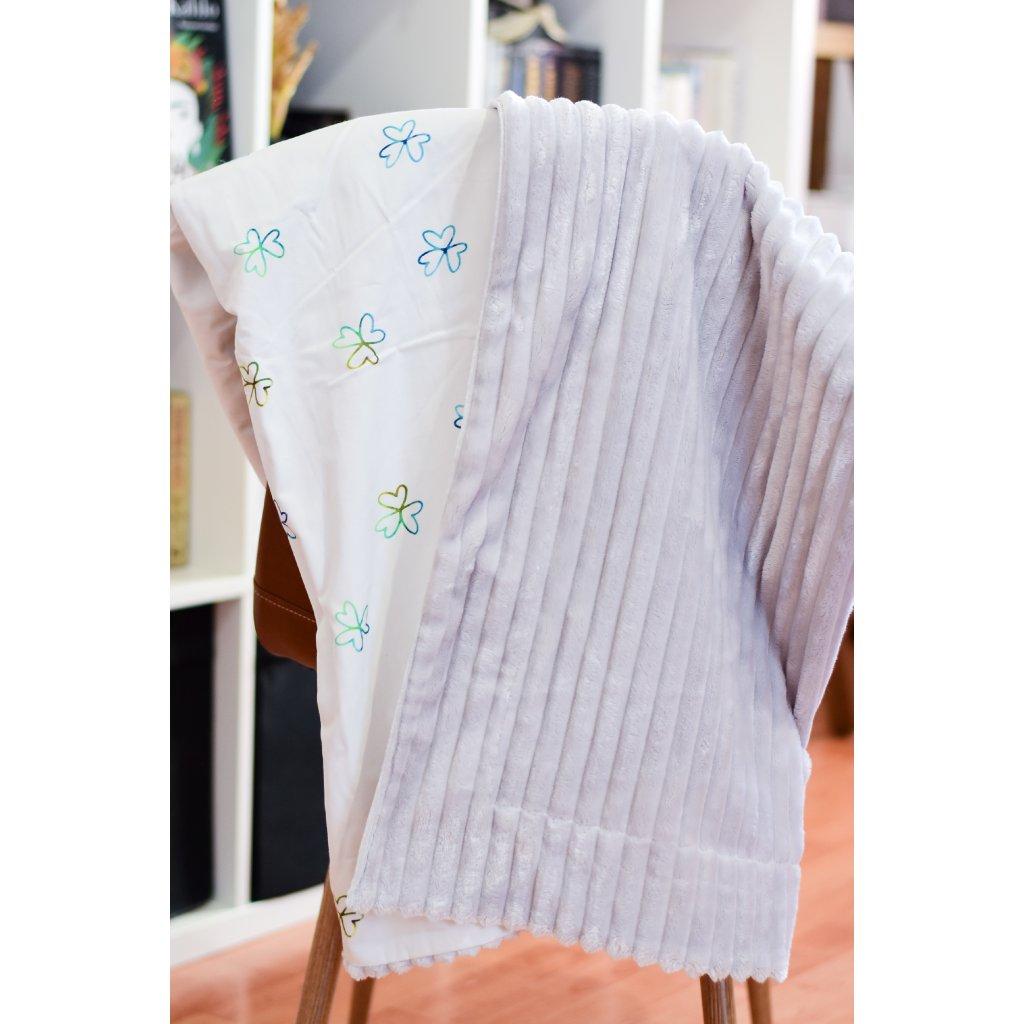 Oboustranná deka - Modrý čtyřlístek na šedé