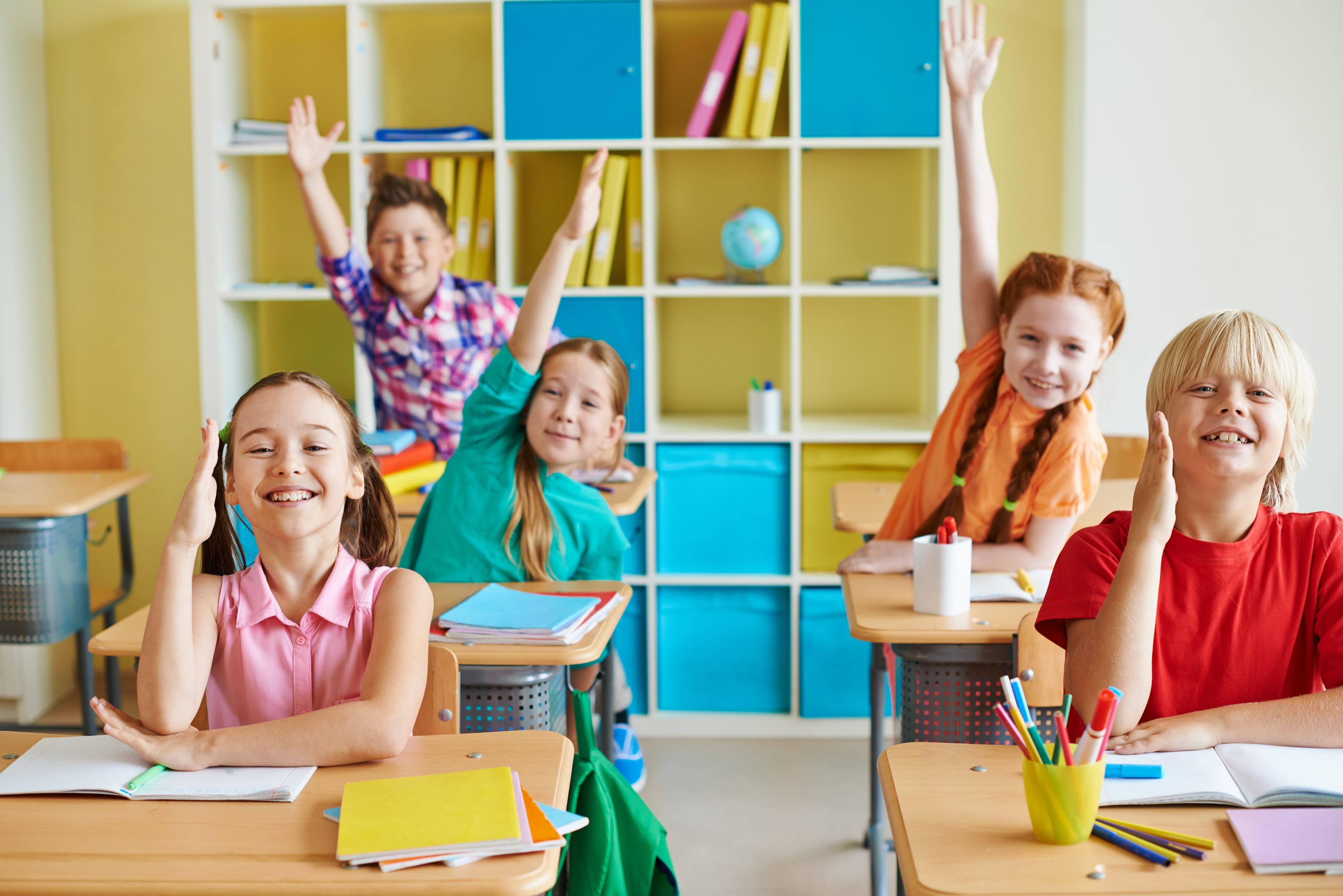 Děti jdou znovu do školy. Co vás čeká?